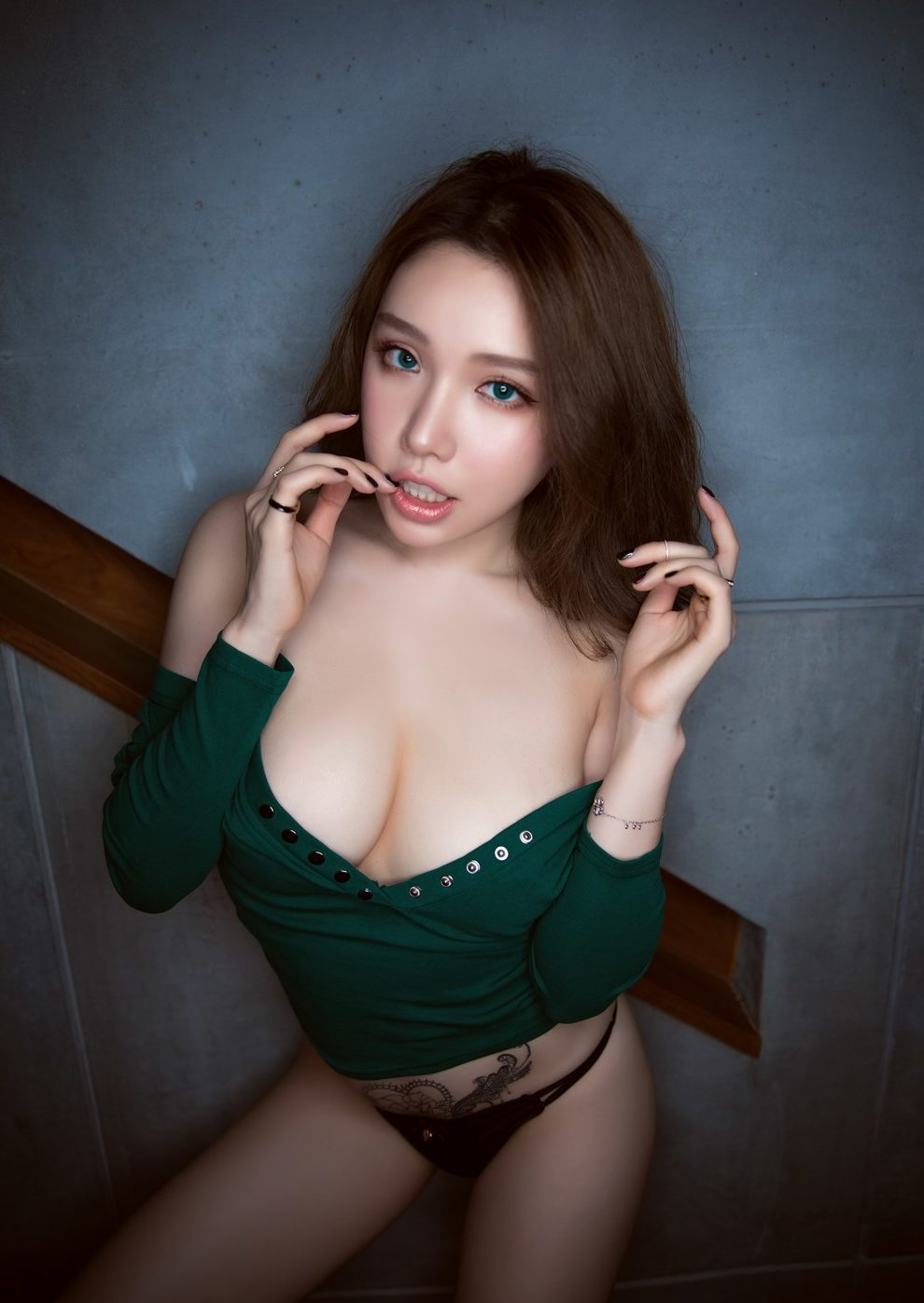 Huang Le Ran super sexy chinese model hot and wild